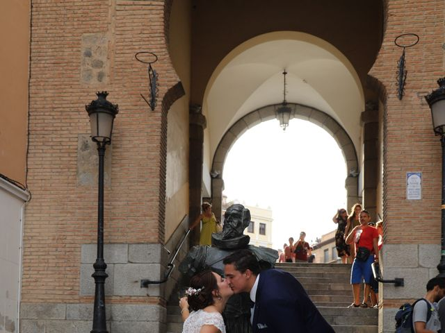 La boda de MARI CARMEN y DARIO en Casas De Fernando Alonso, Cuenca 295