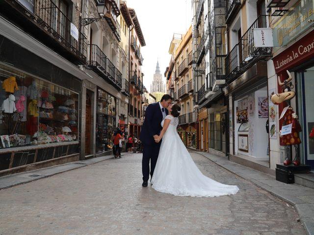 La boda de MARI CARMEN y DARIO en Casas De Fernando Alonso, Cuenca 298