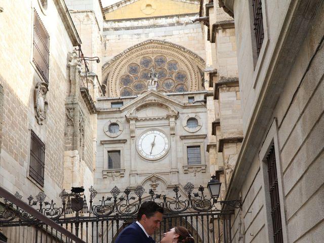 La boda de MARI CARMEN y DARIO en Casas De Fernando Alonso, Cuenca 302
