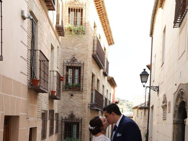 La boda de MARI CARMEN y DARIO en Casas De Fernando Alonso, Cuenca 305