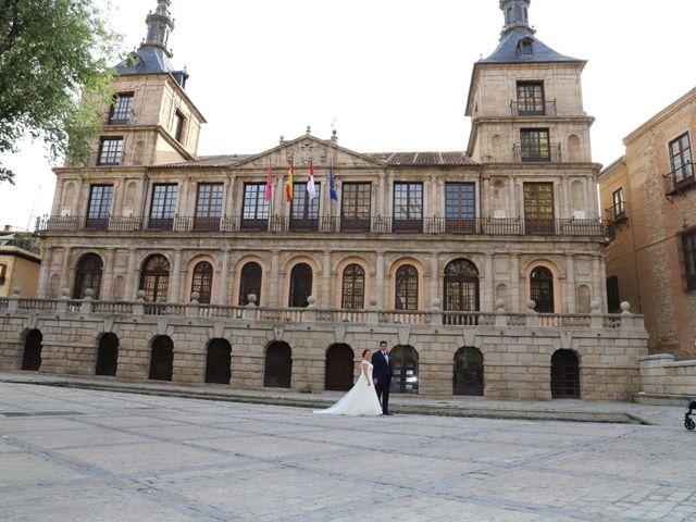 La boda de MARI CARMEN y DARIO en Casas De Fernando Alonso, Cuenca 311