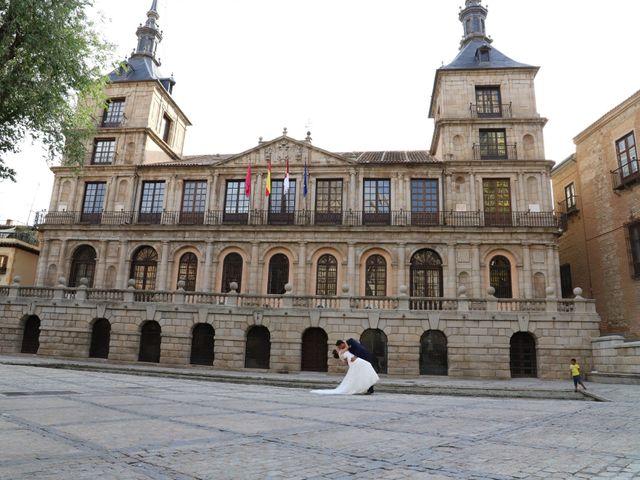 La boda de MARI CARMEN y DARIO en Casas De Fernando Alonso, Cuenca 312