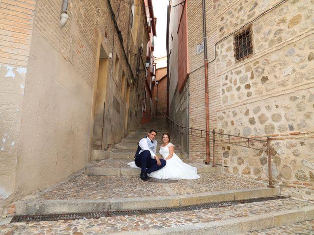 La boda de MARI CARMEN y DARIO en Casas De Fernando Alonso, Cuenca 314