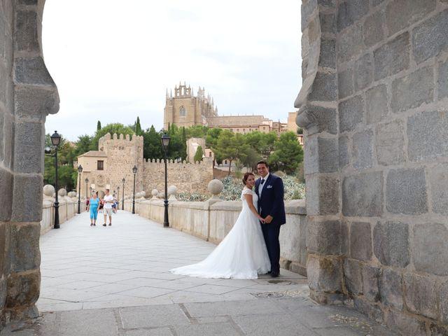 La boda de MARI CARMEN y DARIO en Casas De Fernando Alonso, Cuenca 324