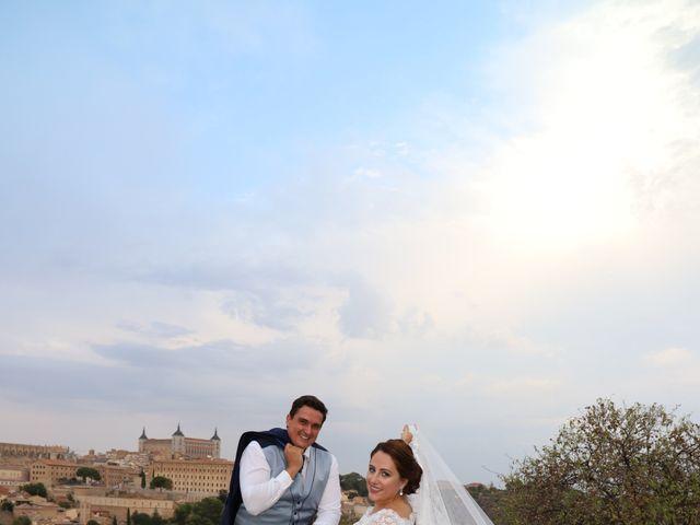 La boda de MARI CARMEN y DARIO en Casas De Fernando Alonso, Cuenca 329