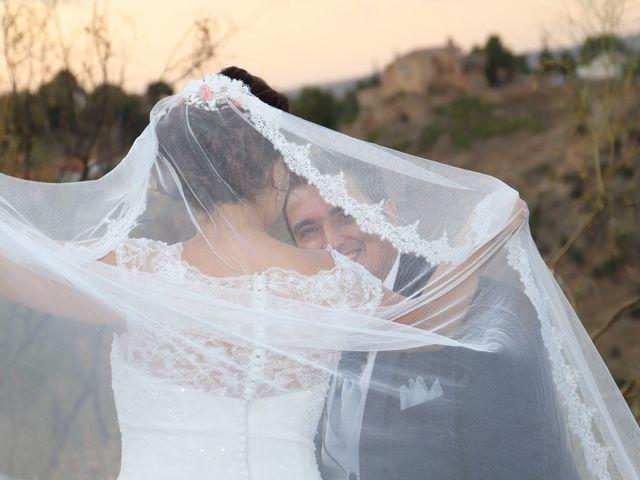 La boda de MARI CARMEN y DARIO en Casas De Fernando Alonso, Cuenca 331