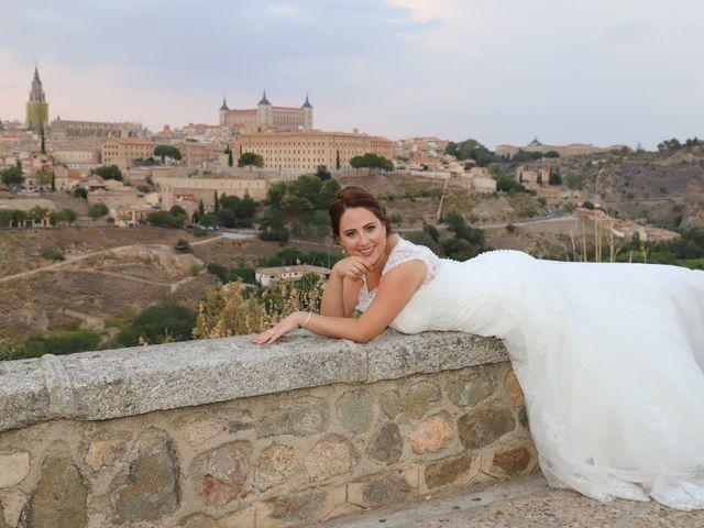 La boda de MARI CARMEN y DARIO en Casas De Fernando Alonso, Cuenca 335