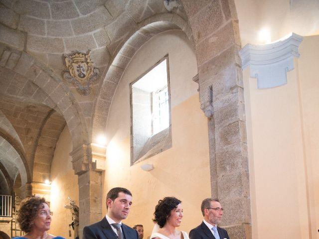 La boda de Serxio y Fátima en Santiago De Compostela, A Coruña 21