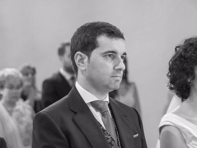 La boda de Serxio y Fátima en Santiago De Compostela, A Coruña 25