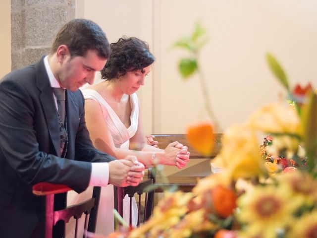 La boda de Serxio y Fátima en Santiago De Compostela, A Coruña 27
