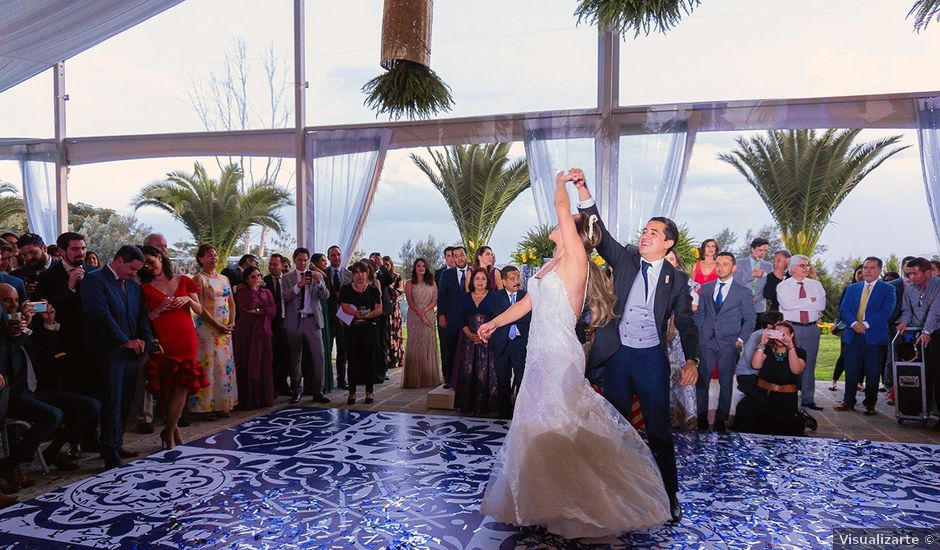 La boda de Pau y Rebeca en Madrid, Madrid