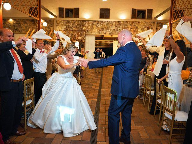 La boda de Elena y Valdes en Gijón, Asturias 31