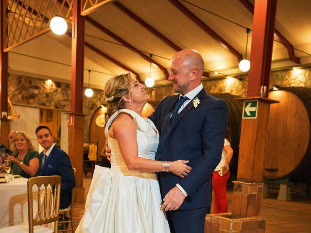 La boda de Elena y Valdes en Gijón, Asturias 37