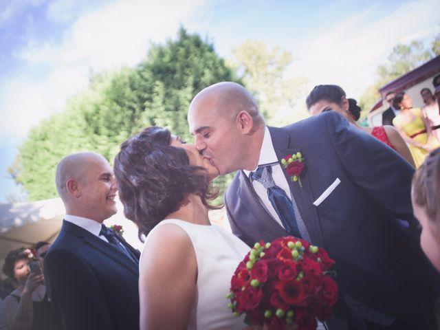 La boda de Jonathan y Lidia en San Roman De Bembibre, León 1