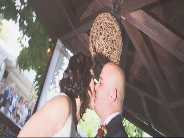 La boda de Jonathan y Lidia en San Roman De Bembibre, León 17
