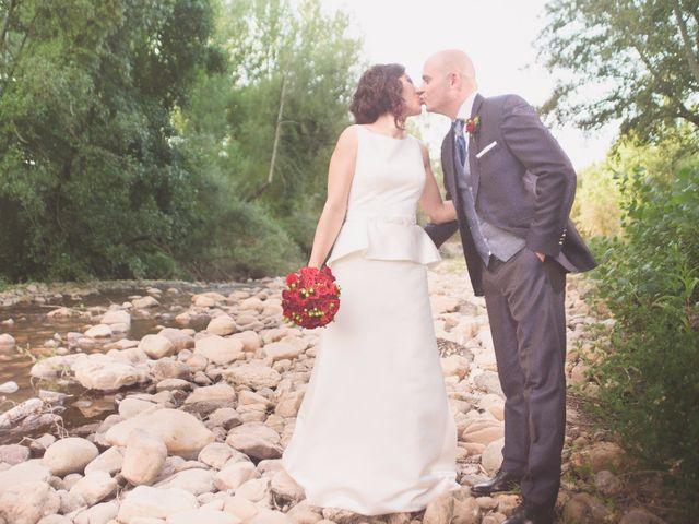La boda de Jonathan y Lidia en San Roman De Bembibre, León 21