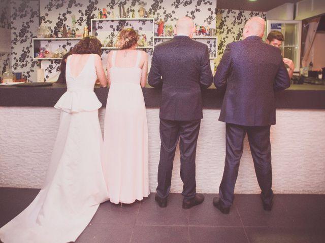 La boda de Jonathan y Lidia en San Roman De Bembibre, León 35