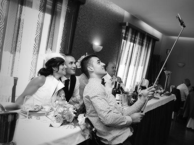 La boda de Santi y Patry en Tomiño, Pontevedra 13