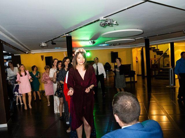La boda de Alvaro y Africa en Valoria La Buena, Valladolid 37