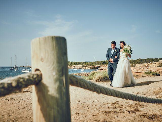 La boda de Estefan y Carol en Cala Conta, Islas Baleares 17