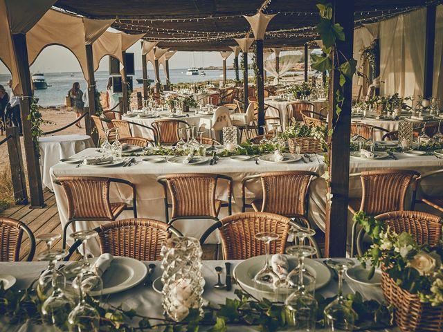 La boda de Estefan y Carol en Cala Conta, Islas Baleares 31