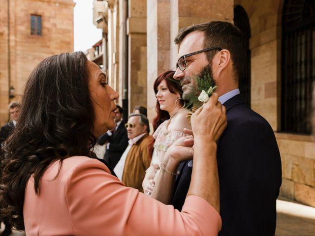 La boda de Guillaume y Bea en Oviedo, Asturias 11