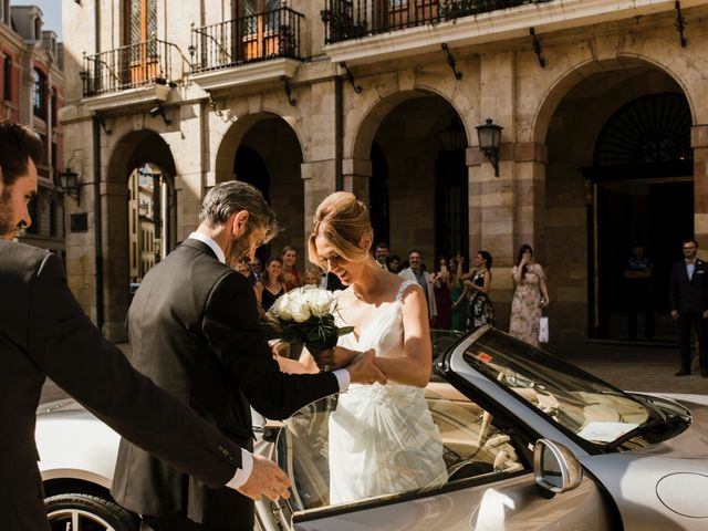 La boda de Guillaume y Bea en Oviedo, Asturias 12