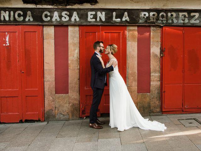 La boda de Guillaume y Bea en Oviedo, Asturias 25