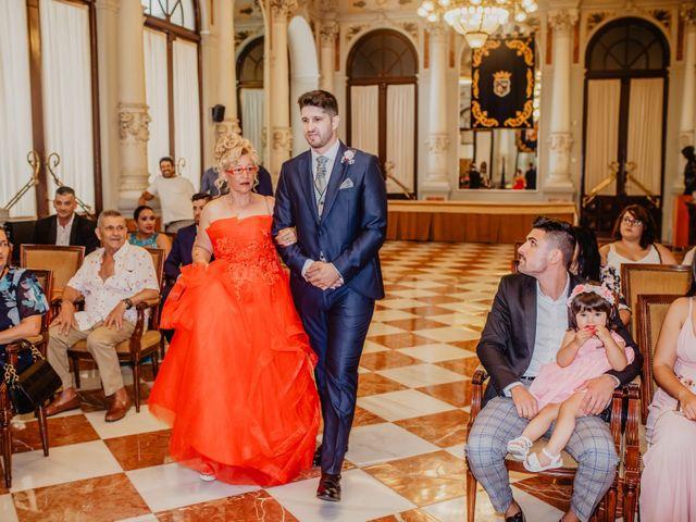 La boda de Jonatan y Lorena en Puerto De La Torre, Málaga 15