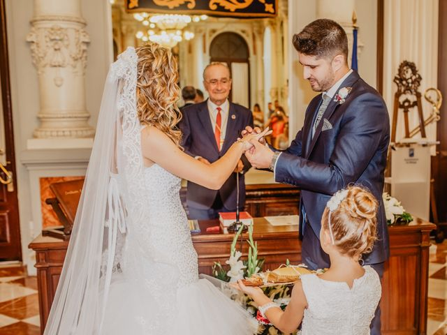 La boda de Jonatan y Lorena en Puerto De La Torre, Málaga 19