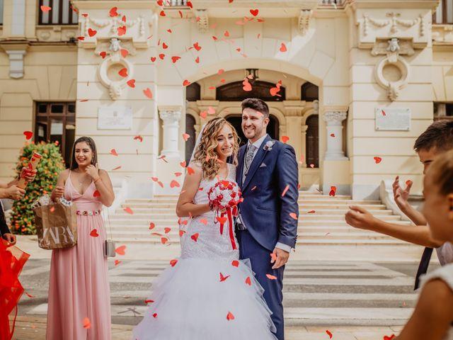 La boda de Jonatan y Lorena en Puerto De La Torre, Málaga 28
