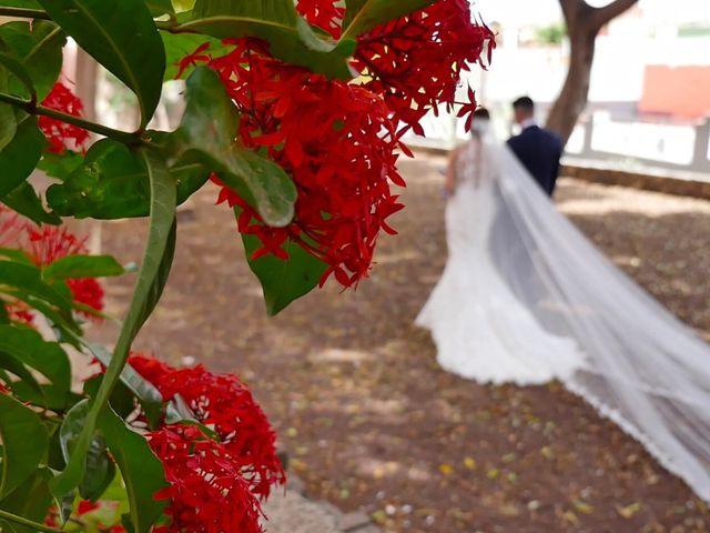 La boda de Dani y Dácil  en El Carrizal, Las Palmas 13
