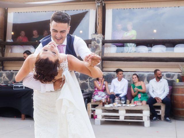 La boda de Dani y Dácil  en El Carrizal, Las Palmas 15