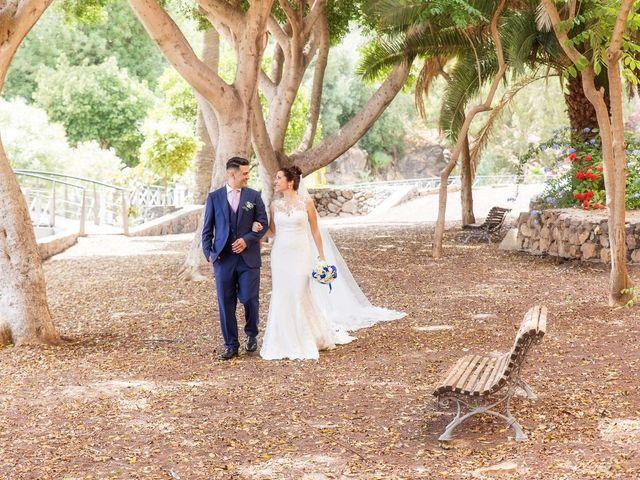 La boda de Dani y Dácil  en El Carrizal, Las Palmas 16