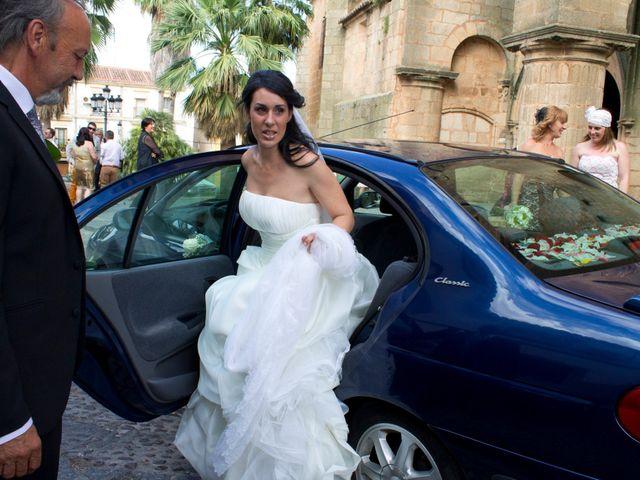 La boda de Luismi y Sara en Casar De Caceres, Cáceres 14