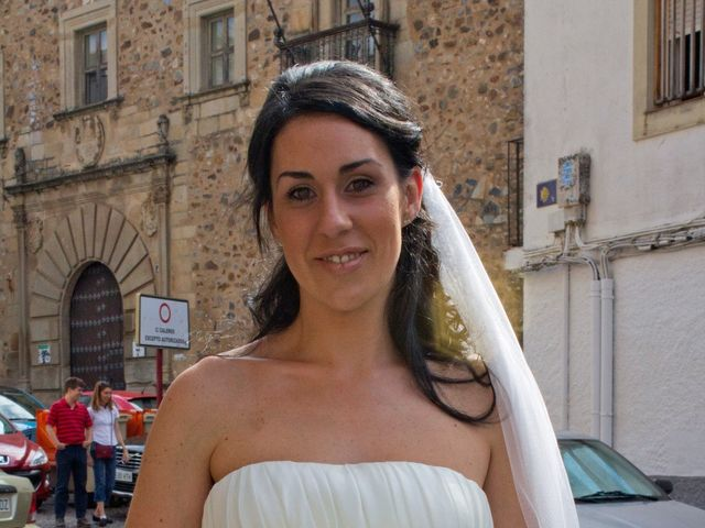 La boda de Luismi y Sara en Casar De Caceres, Cáceres 16