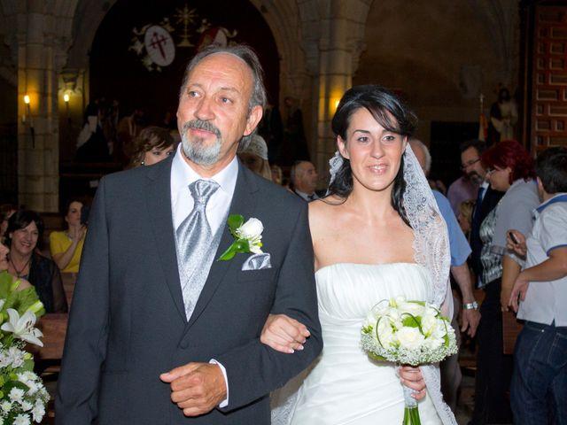 La boda de Luismi y Sara en Casar De Caceres, Cáceres 19