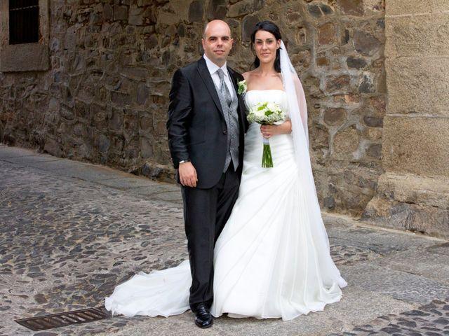 La boda de Luismi y Sara en Casar De Caceres, Cáceres 31