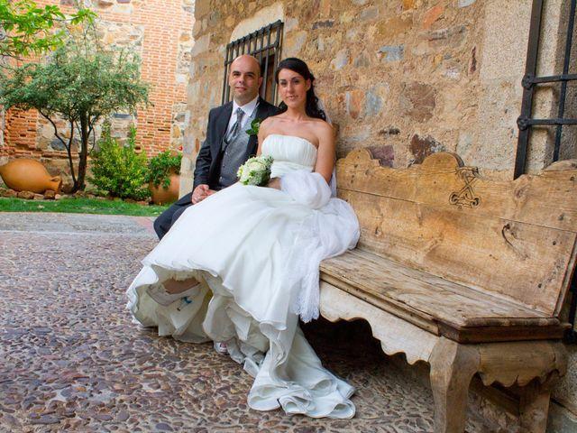 La boda de Luismi y Sara en Casar De Caceres, Cáceres 34