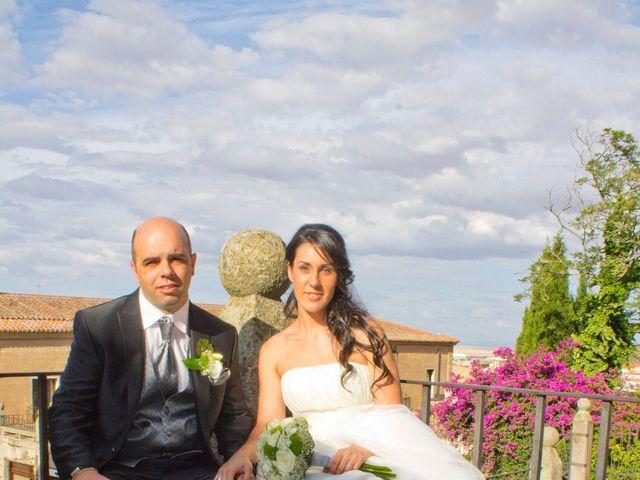 La boda de Luismi y Sara en Casar De Caceres, Cáceres 53