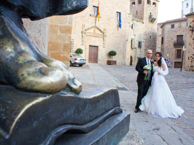 La boda de Luismi y Sara en Casar De Caceres, Cáceres 55