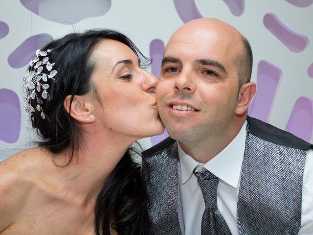La boda de Luismi y Sara en Casar De Caceres, Cáceres 82