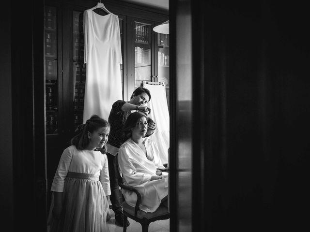 La boda de Carlos y Lara en Sevilla, Sevilla 2