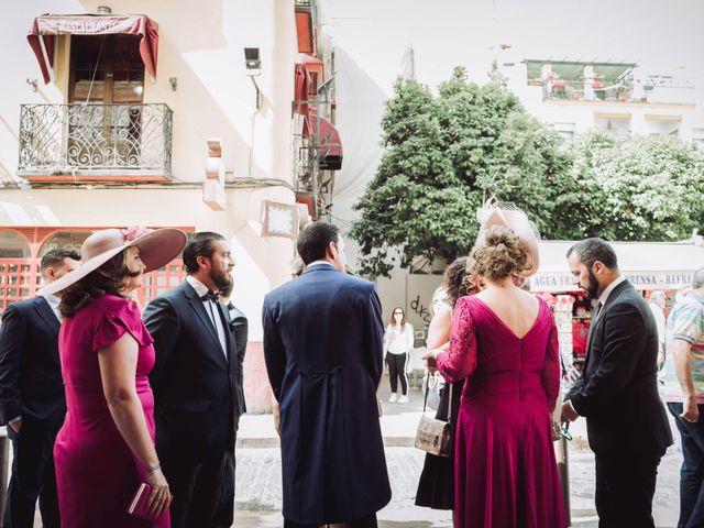 La boda de Carlos y Lara en Sevilla, Sevilla 21