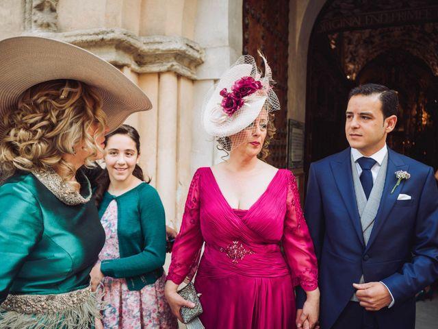 La boda de Carlos y Lara en Sevilla, Sevilla 22