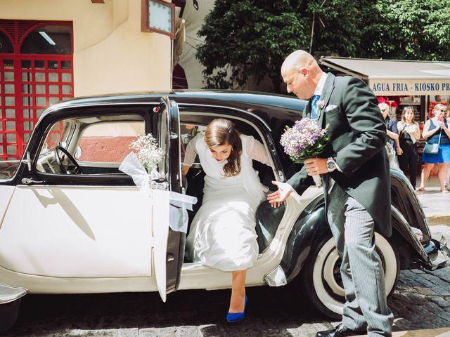 La boda de Carlos y Lara en Sevilla, Sevilla 26