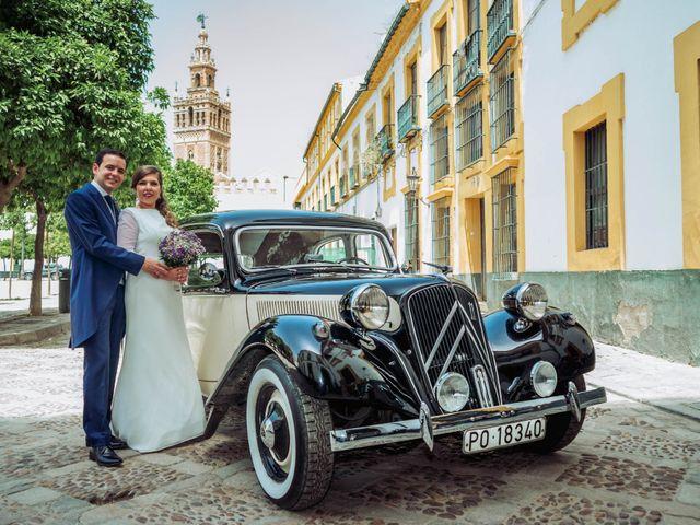 La boda de Carlos y Lara en Sevilla, Sevilla 36