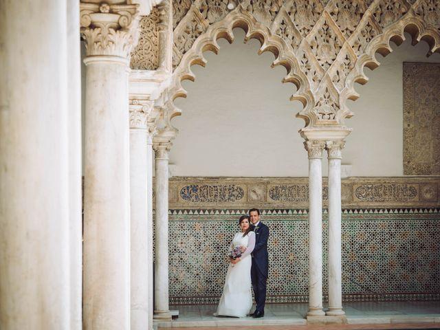 La boda de Carlos y Lara en Sevilla, Sevilla 38