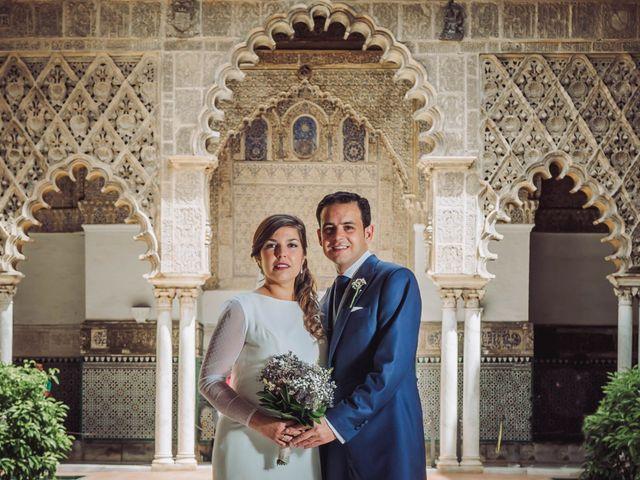 La boda de Carlos y Lara en Sevilla, Sevilla 39