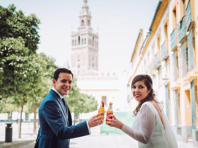 La boda de Carlos y Lara en Sevilla, Sevilla 54